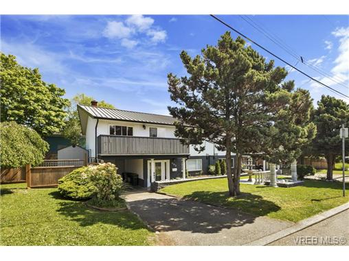 491/493 Foster St - Es Saxe Point Revenue Duplex for sale, 8 Bedrooms (366730) #1
