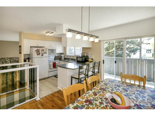 491/493 Foster St - Es Saxe Point Full Duplex for sale, 8 Bedrooms (372838) #10