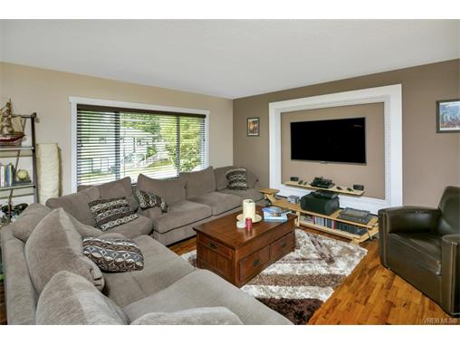 491/493 Foster St - Es Saxe Point Full Duplex for sale, 8 Bedrooms (372838) #4